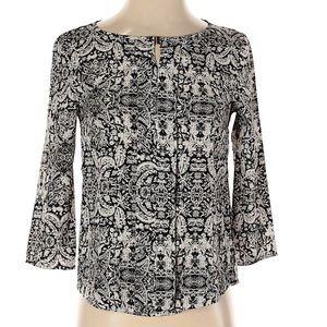 H&M 3/4 sleeve black and white print blouse